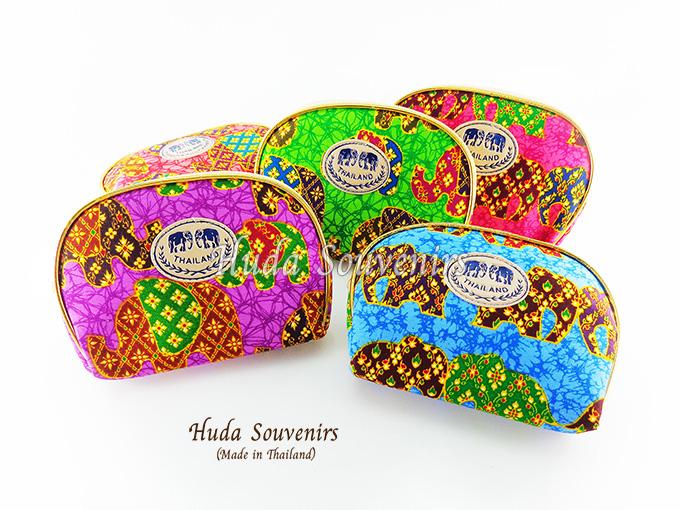ของที่ระลึกไทย กระเป๋าผ้าลายไทย ขอบทอง (ขนาด: ขอบทอง M) ลายช้างหวาน หนึ่งโหลคละสี จำหน่ายยกโหล สินค้าพร้อมส่ง