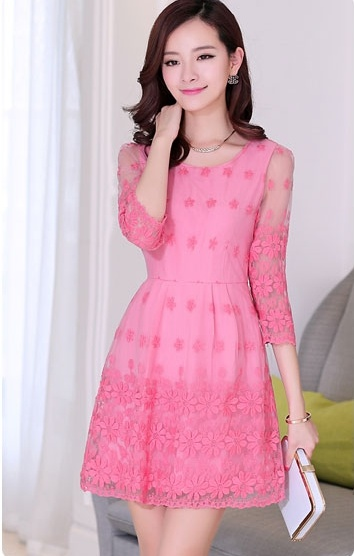 """size L """"พร้อมส่ง""""เสื้อผ้าแฟชั่นสไตล์เกาหลีราคาถูก เดรสออกงาน ซับในเป็นเดรสแขนกุดสีชมพู คลุมด้วยผ้าลูกไม้ลายดอกไม้ แขน4ส่วน ซิปข้าง"""