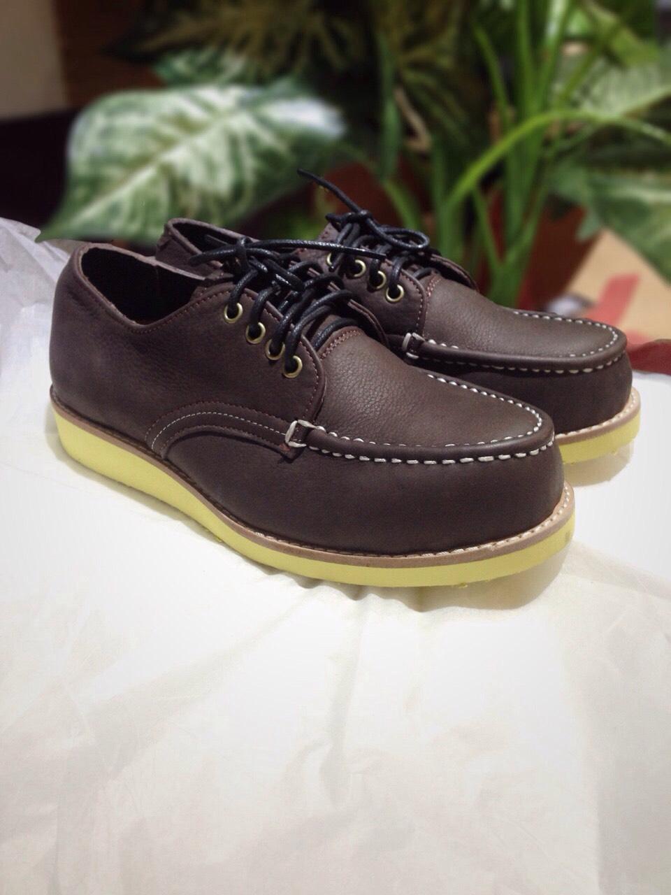 รองเท้าผู้ชาย | รองเท้าแฟชั่นชาย Dark Brown Boat Shoe หนังชามัวร์ (หนังลูกวัวแท้)