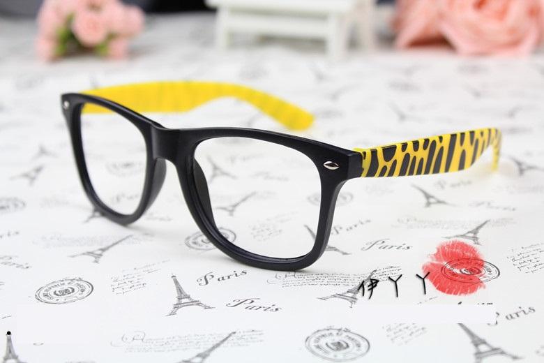 แว่นตาแฟชั่นเกาหลี ม้าลายดำเหลือง (ไม่มีเลนส์)