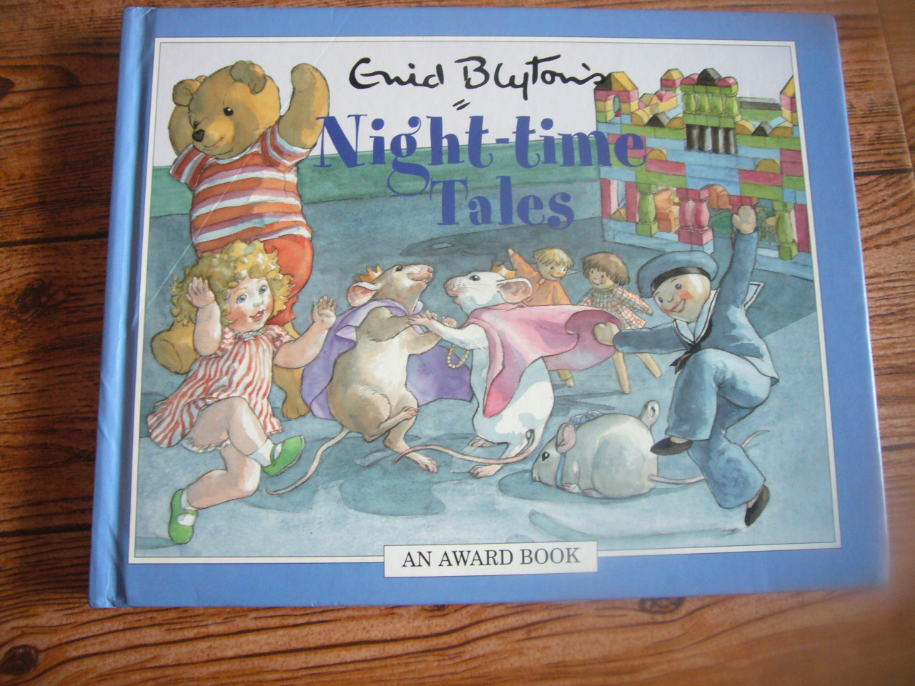 Enid Blyton's Night-Time Tales