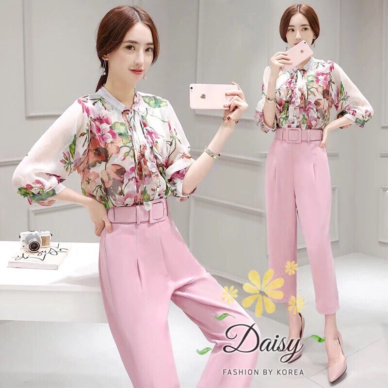 Daisy chiffon flower with pink pants and belt