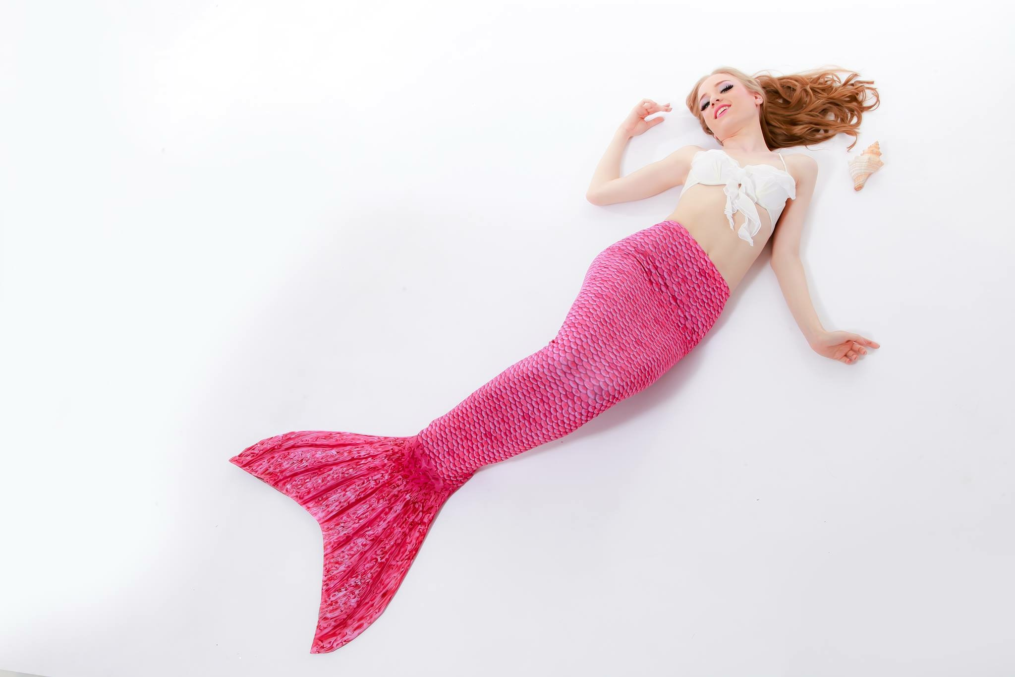 Pinky Scale Mermaid Tail ( ไม่รวมเสื้อ )