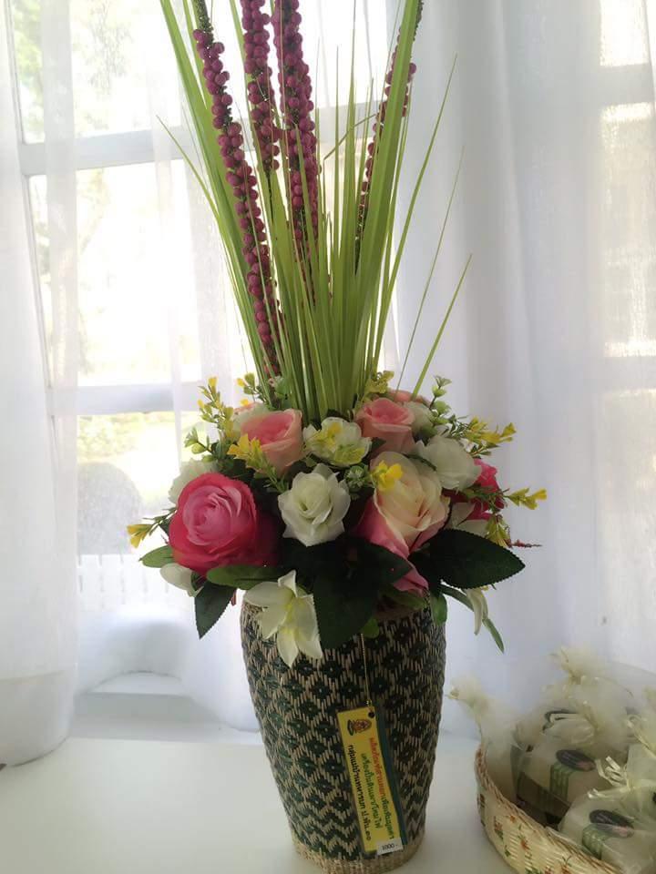 แจกันดอกไม้สานตอก