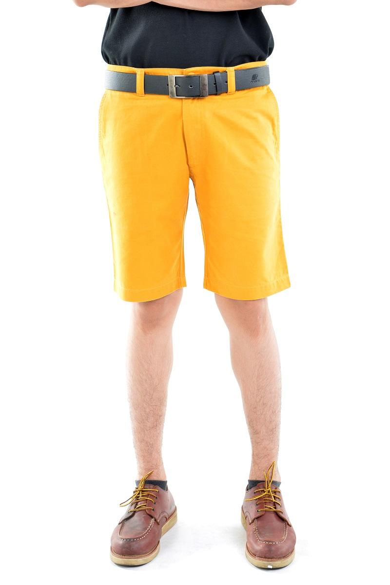 กางเกงขาสั้นผู้ชายสีเหลืองมัสตาร์ด ผ้าฟอกนิ่ม