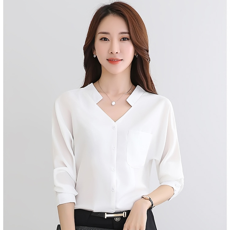 เสื้อทำงานสีขาว คอวี แขนยาว