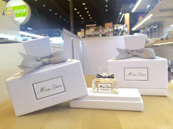 Dior Miss Dior EAU DE PARFUM 5 ml. กลิ่นหอมหวานแน่นๆ มาในกล่อง limited