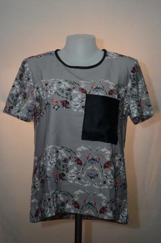HACHI CHILLE เสื้อสตรีสีเทาสกรีนลายดอกไม้