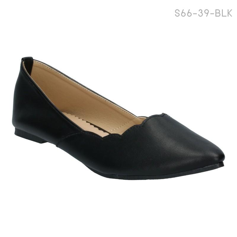 รองเท้าส้นแบน หุ้มส้น แต่งขอบหยัก (สีดำ )