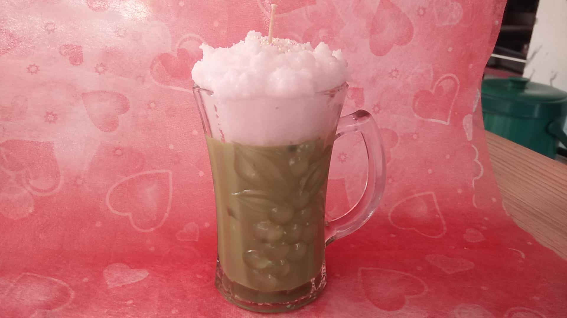 เทียนหอมชาเขียวเย็น พร้อมวิปครีม แก้วกลาง ขนาด 5x5x10 cm.