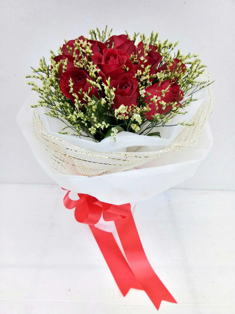 ช่อดอกไม้ กุหลาบแดง 11 ดอก รหัส 1060