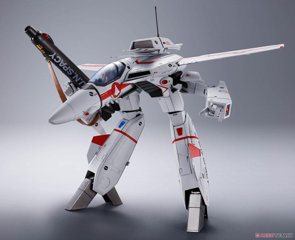 เปิดรับPreorder มีค่ามัดจำ 1500 บาท DX Chogokin VF-1J Valkyrie (Hikaru Ichijyo Custom) w/Initial Release Bonus Item**japan lot //สูง 30 cm