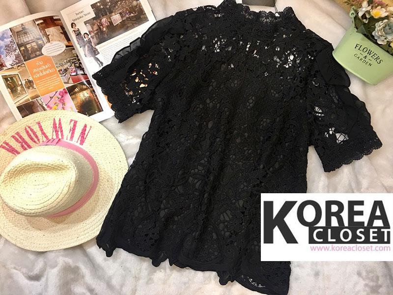 เสื้อแฟชั่น Shot-Sleeve Embroidered Lace Blouse สีดำ
