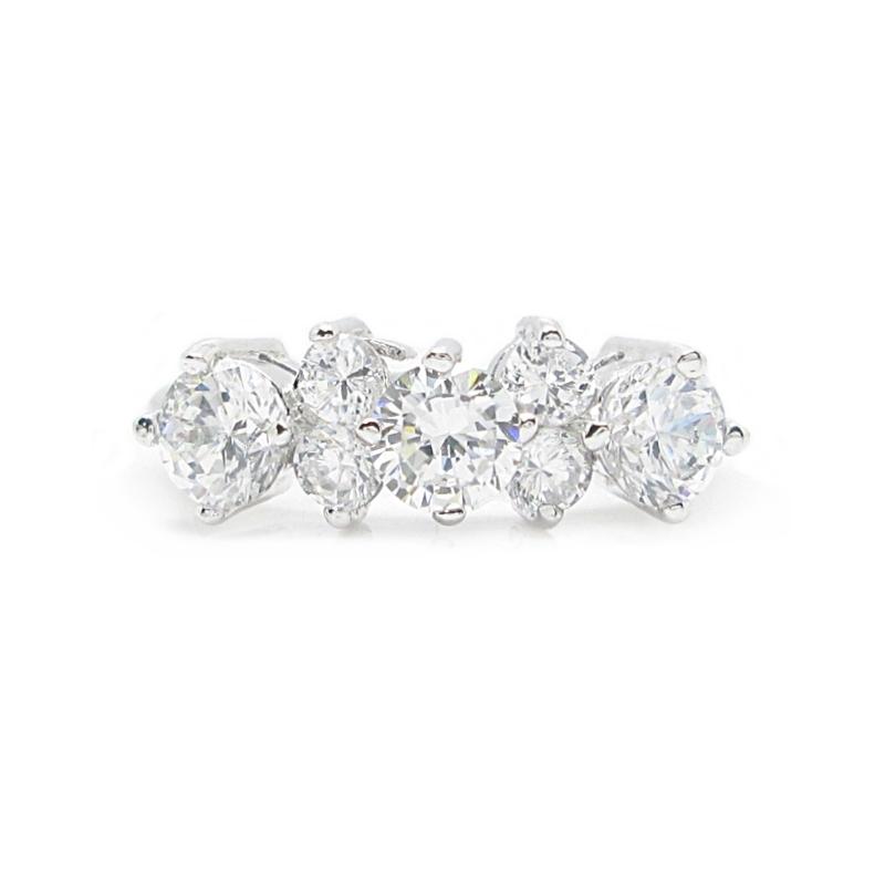 แหวนประดับเพชรชุบทองคำขาว