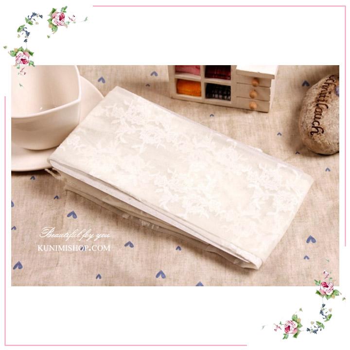 ถุงน่องแบบเต็มตัวน่ารัก สีขาว ลายลูกไม้ หวานๆ ดูเป็นคุณหนูมากครับคะ ขนาด FREE SIZE