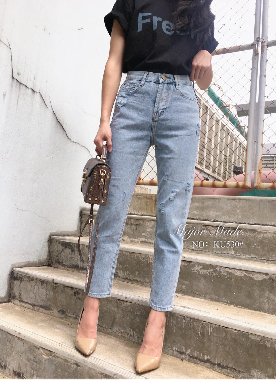 กางเกงแฟชั่น กางเกงยีนส์ทรงบอยแฟน เอวสูง ทรงสลิมไม่ใหญ่ สีฟอกสวย