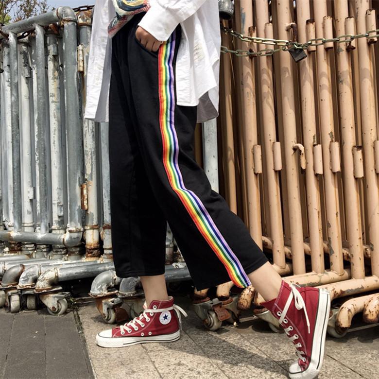 [Preorder] กางเกงขายาว 9 ส่วนสีดำมีแถบริบบิ้นสายรุ้ง