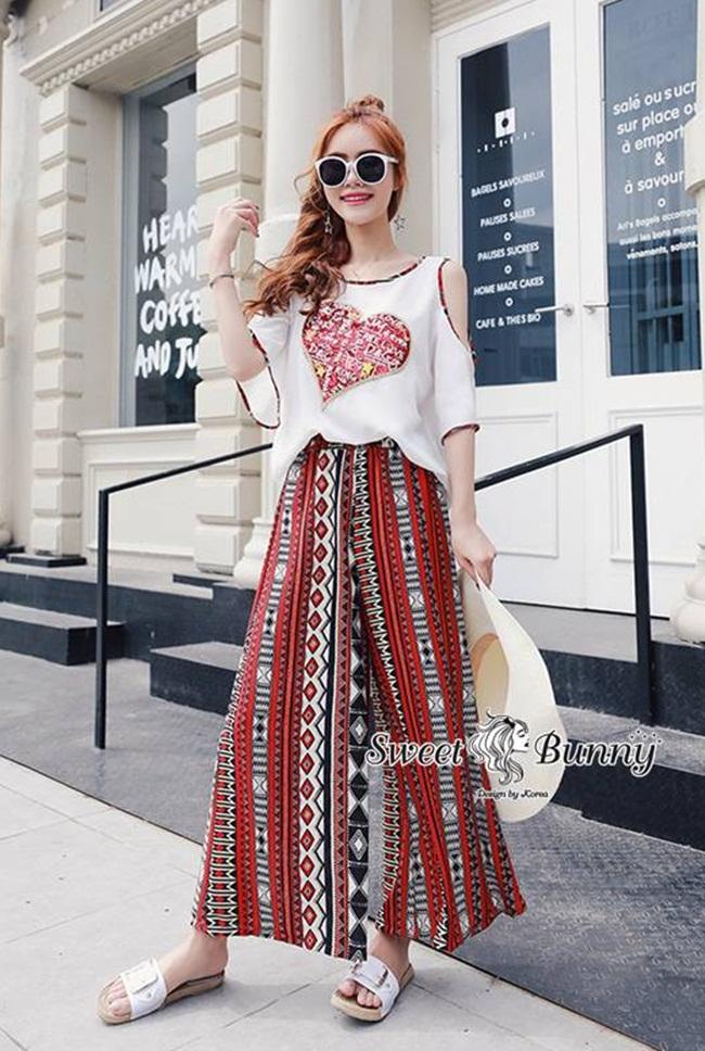 ชุดเซทแฟชั่น ชุดเซ็ทเสื้อ+กางเกงเกาหลี เสื้อผ้าสีขาวอ๊อบไว้ท์เนื้อดี