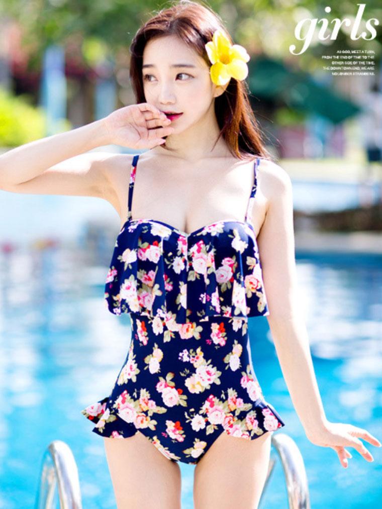 สินค้าราคาพิเศษ !!【พร้อมส่ง XL】SB1052-N ชุดว่ายน้ำวันพีช ลายดอกไม้สีน้ำเงิน