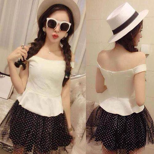 ++สินค้าพร้อมส่งค่ะ++ ชุดเซ็ทเกาหลี เสื้อคอเปิด ผ้า cotton เนื้อดี+กระโปรงสั้น ผ้าตาข่ายลายจุดน่ารัก – สี ขาว