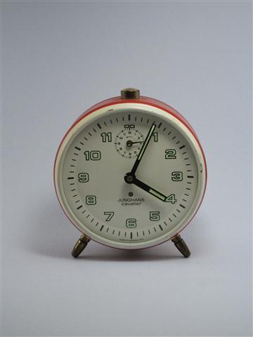 U742 นาฬิกาปลูก Junghans Cavalier เดินดีปลุกดี ส่ง EMS ฟรี