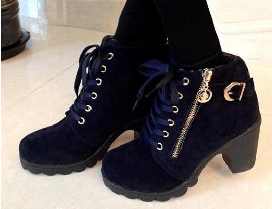 Pre Order - รองเท้าบูทแฟชั่น ใส่ได้ทุกช่วงฤดู กันน้ำ ส้นสูงหนา สีน้ำเงิน