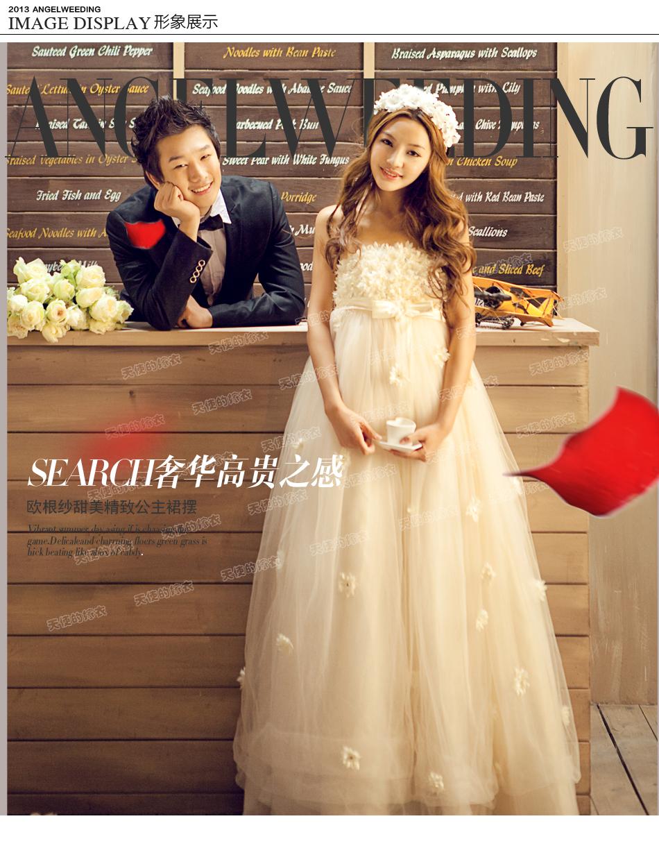 wedding ชุดแต่งงานเจ้าสาวแสนสวย โดดเด่นด้วยดอกไม้มากมาย น่ารักมากๆ มีสีขาว ครีมและแดงค่ะ
