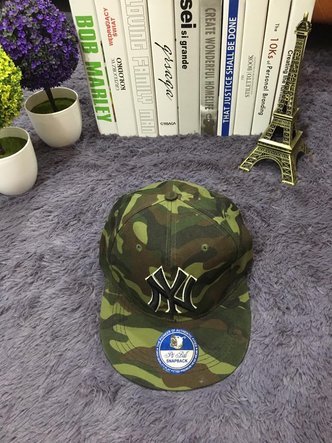 **พร้อมส่ง** หมวก HipHop NY SNAP BACK ลายทหาร ปักเขียว หมวกปีกตรง ปรับขนาดได้