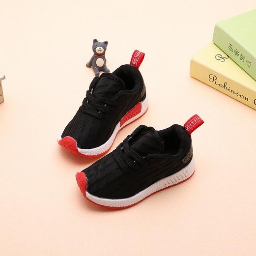 Sneakerเด็กแท็กแดง วัสดุผ้าไนล่อน พื้นยางลายตาข่ายไม่ลื่น สีดำ
