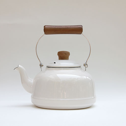 Vintage Enamel Kettle-1.6L (White)