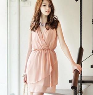 เสื้อผ้าแฟชั่น CHU VIVI DRESS ชุดเดรสแฟชั่นเกาหลี ใส่ทำงาน คอวี แขนกุด ผ้าชีฟอง สีชมพู แต่งกระโปรง 2 ชั้น จั๊มเอว น่ารัก สามารถใส่ออกงานได้ thaishoponline (พร้อมส่ง)