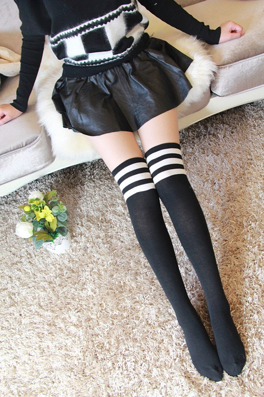 ถุงเท้ายาวเหนือเข่า