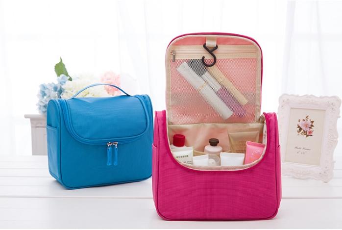 กระเป๋าอเนกประสงค์ ใส่อุปกรณ์อาบน้ำ เครื่องสำอาง มีที่แขวน