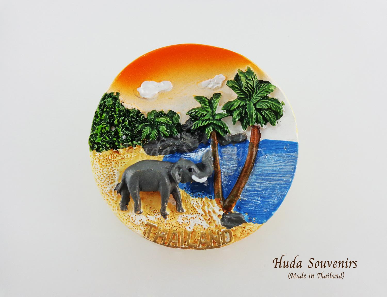 ของที่ระลึกไทย แม่เหล็กติดตู้เย็น ลวดลายช้างริมหาด วัสดุเรซิ่น ชิ้นงานปั้มลายเนื้อนูน ลงสีสวยงาม