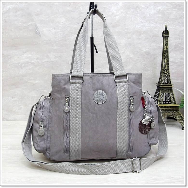 กระเป๋าถือ + สะพายไหล่ สีเทาอ่อน